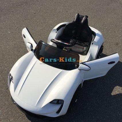 Электромобиль Porsche Sport М777МР белый (резиновые колеса, кожа, пульт, музыка, ГЛЯНЦЕВАЯ ПОКРАСКА)